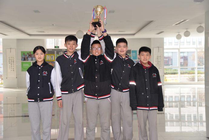 """【青岛】青岛为明学校羽毛球健儿全区中小学""""体彩杯"""""""